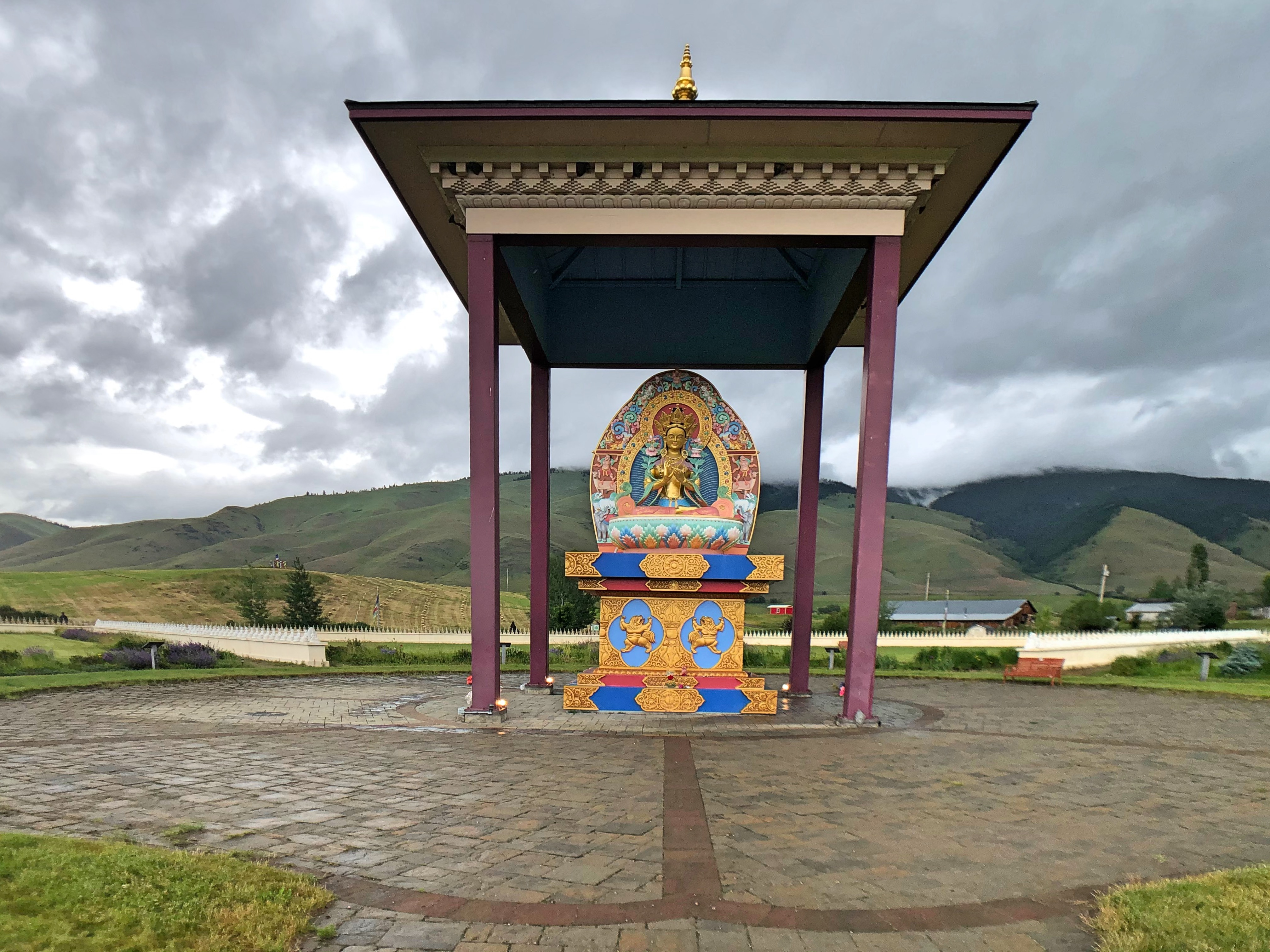 Montana S Own Buddhist Center Garden Of One Thousand Buddhas The Itinerant Analyst